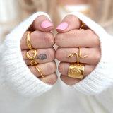 Ring gold pattern_