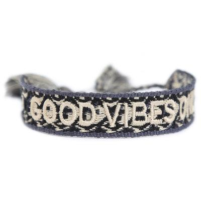 Woven bracelet good vibes only melee