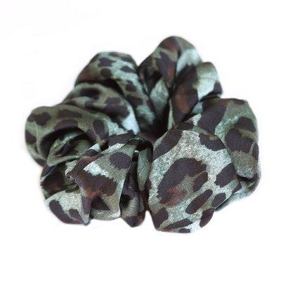 Satin scrunchie leopard green