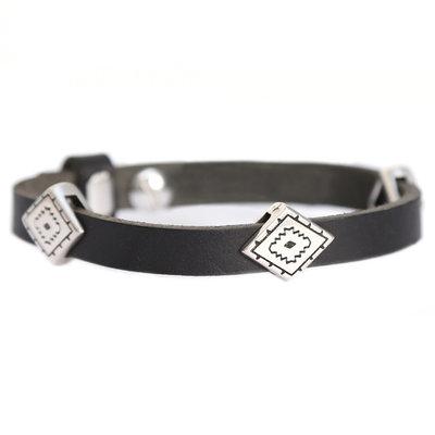 Indian tribe bracelet black (real leather)