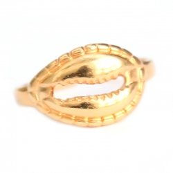 Ring cowrie shell gold