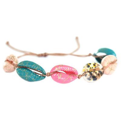 Bracelet shells fall