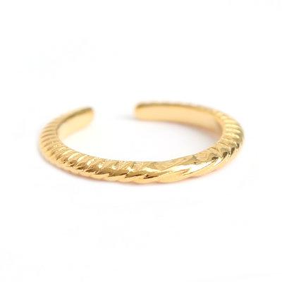 Ring pattern gold